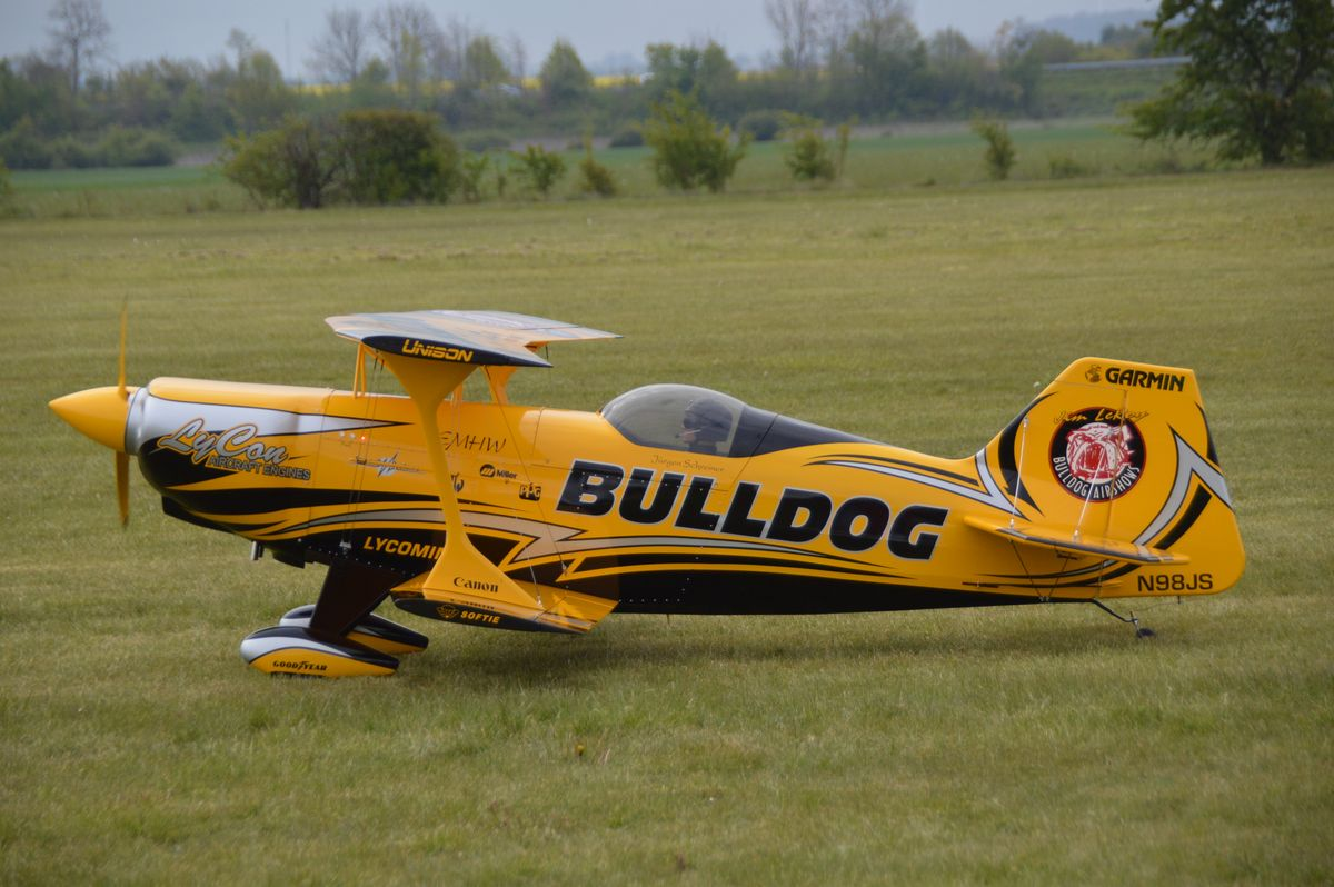 EMHW - Pitts Bulldog II